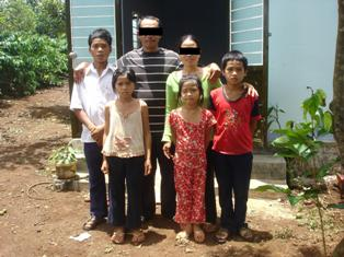 Joyful Family (2)