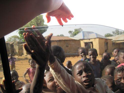 Dogo_Nahawa_Helping Hands