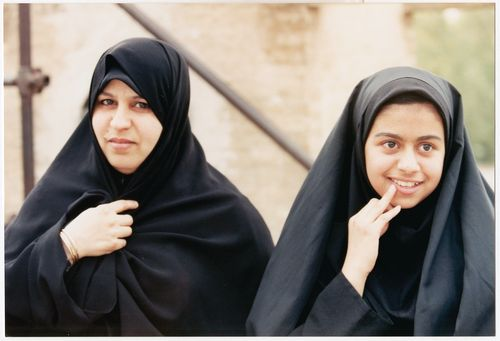 26_Iran-burkas