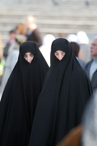 11_2 Muslim Women_small